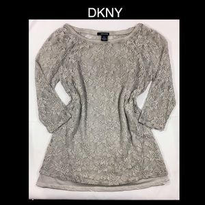 😍DKNY Larger Gray Full Lace Overlay Top🖤
